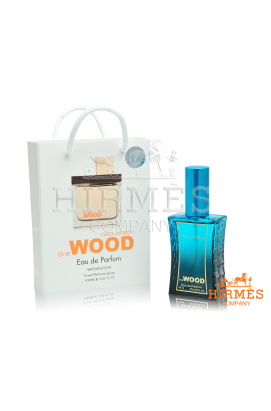 Dsquared2 She Wood в подарочной упаковке 50 ML