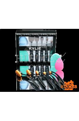 Набор кистей и спонжей для макияжа Kylie