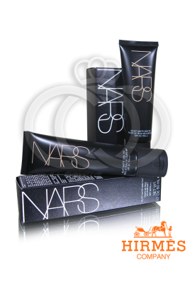 Тональная основа Nars Velvet Matte SPF30
